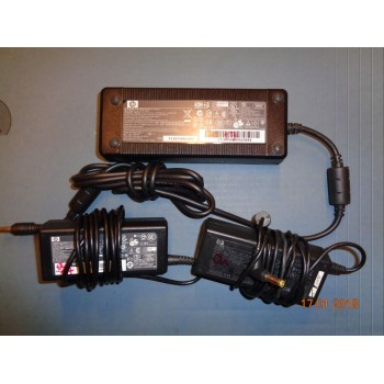 napájecí adaptér HP PPP016H  (originál)